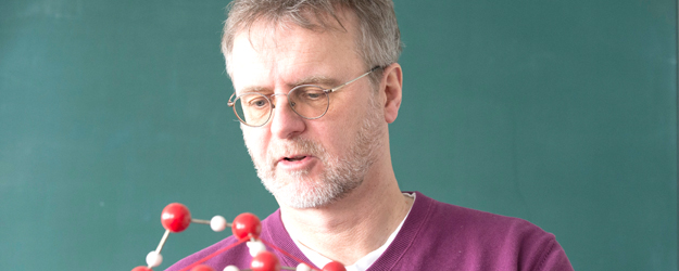 Stephan Borrmann is professor of the Institute of Atmospheric Physics at Johannes Gutenberg University Mainz (JGU) and director at the Max Planck Institute for Chemistry in Mainz. (photo: Peter Pulkowski)